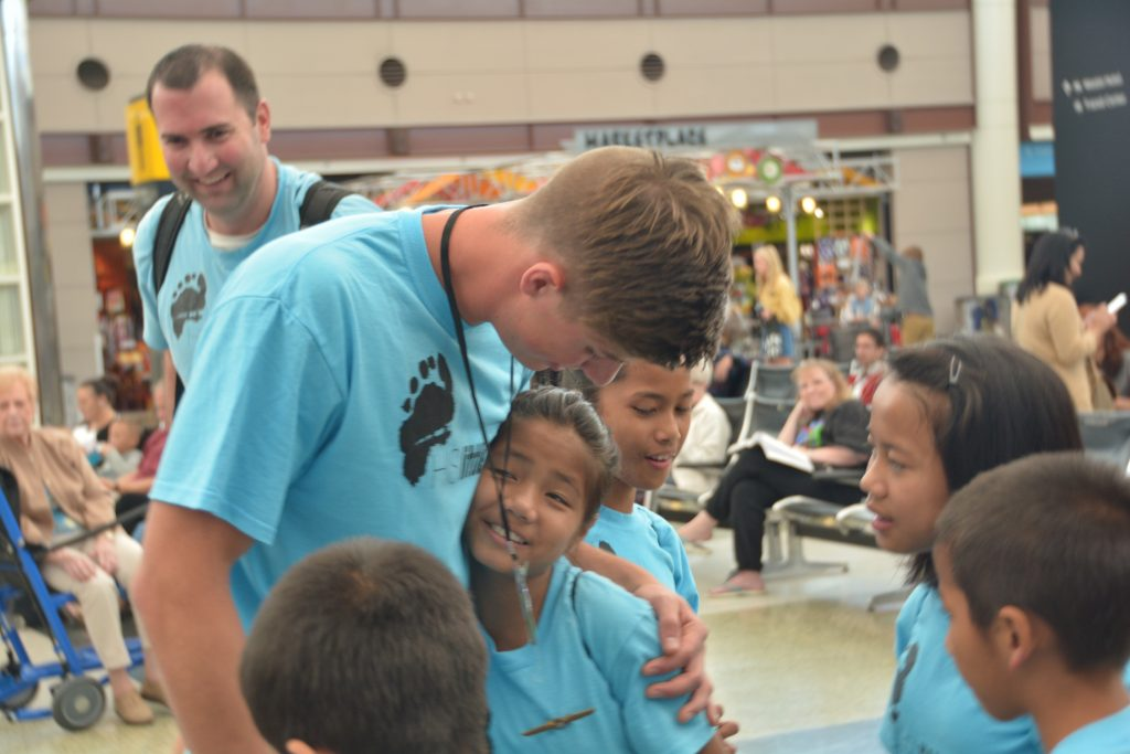 uncle-caleb-greeting-the-indian-kids_30044794786_o