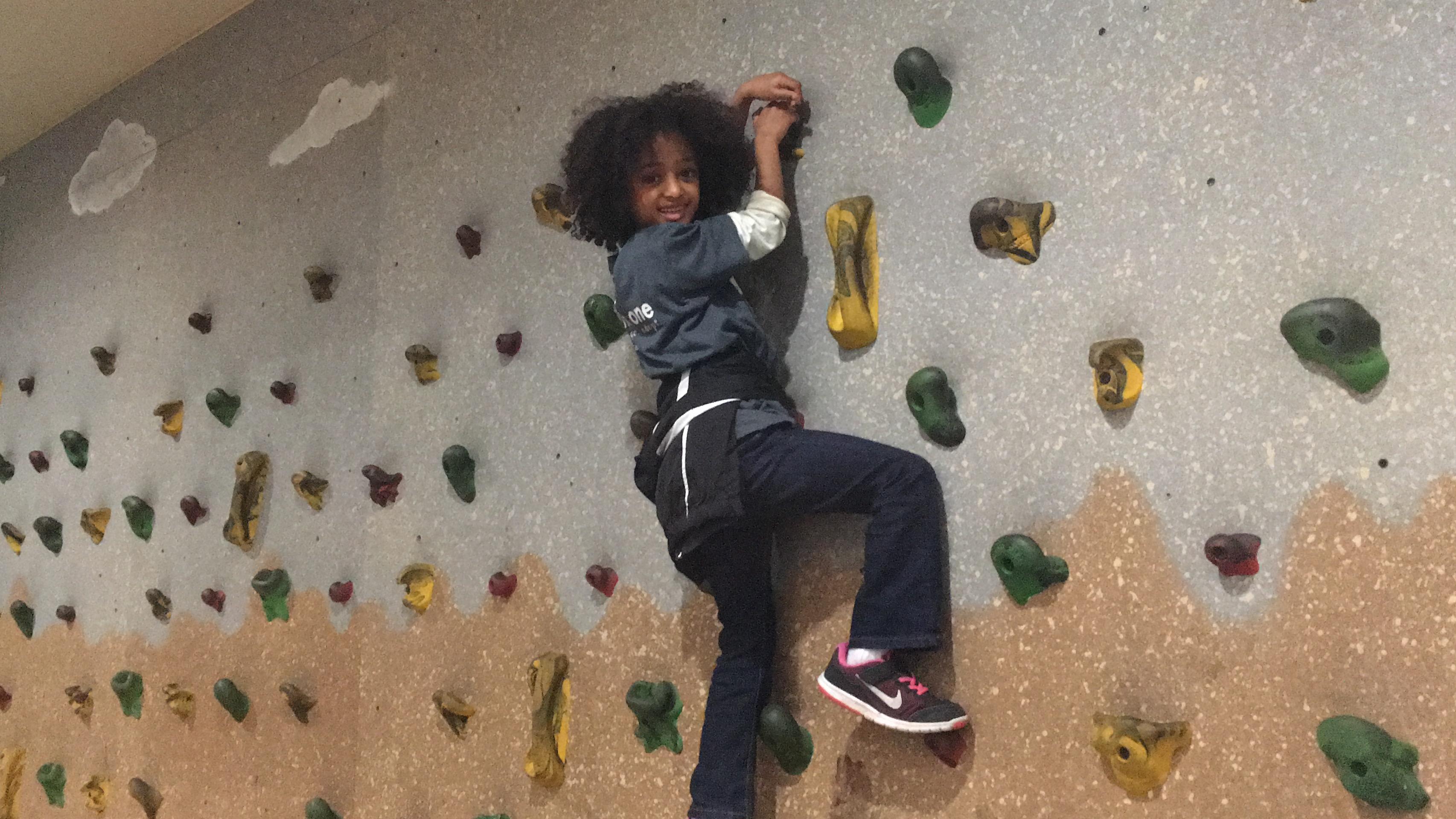 yodit-enjoyed-climbing-the-wall_31938672393_o